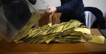 AK Parti'nin olağanüstü itirazı için gözler YSK'da