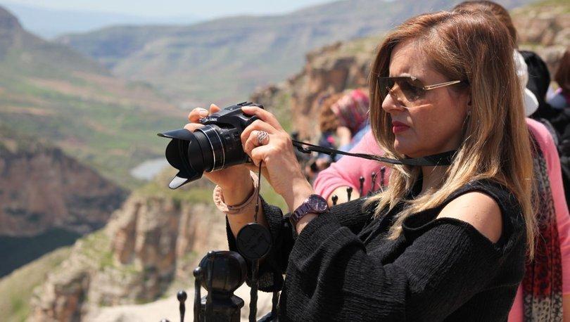 Botan Vadisi manzaralı Rasıl Hacar'a turist akını