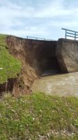Yoğun yağışlar nedeni ile köprü çöktü