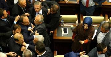 Mansur Yavaş'ın tasfiye kararı belediye meclisinde gerilime neden oldu