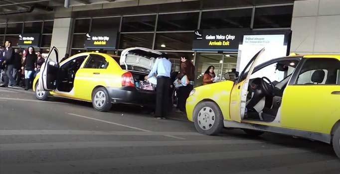 Avustralyalı turiste havalimanından Aksaray'a bin 200 lira ücret!