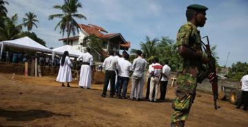 Sri Lanka'da terör önlemi: Telefon numarası bırakmak zorunlu oldu