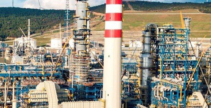 Polonya, Rusya'dan petrol alımını durdurdu