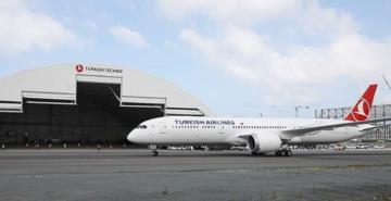 Türk Hava Yolları'nin 'rüya uçağı' Dreamliner İstanbul'da