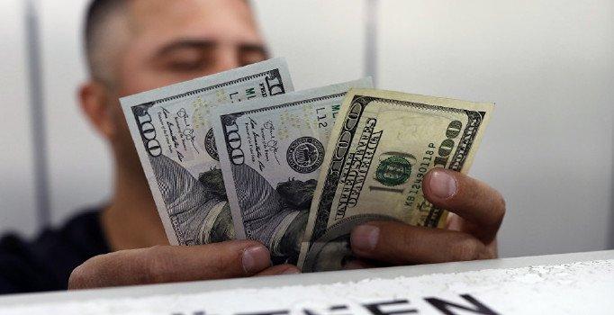 Dolar, Merkez'in faiz kararı öncesi güne 5,80'in üzerinde başladı