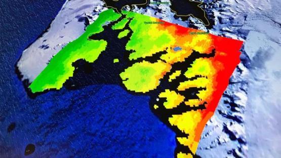 Bilim adamları Antarktika'daki buzul erimelerini görüntüledi