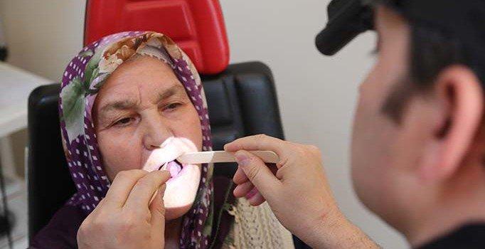 Kırılan dişi yüzünden kanser olunca dilini kestiler