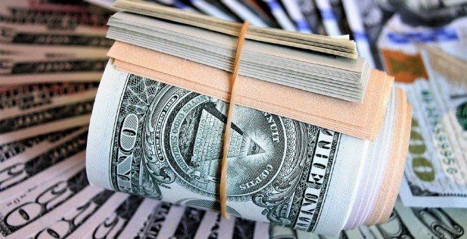 Dolar/TL kuru güne 5,83 seviyelerinde başladı