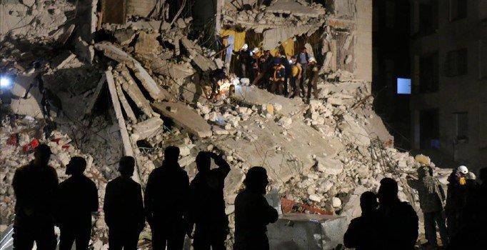 Esad rejimi İdlib'i gece geç saatlerde vurdu: 7 ölü