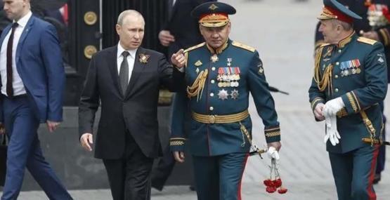 Putin'den orduya talimat: Savaşa hazır olun