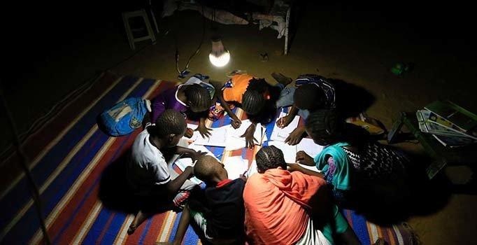 Afrika'da 600 milyon kişi elektriksiz