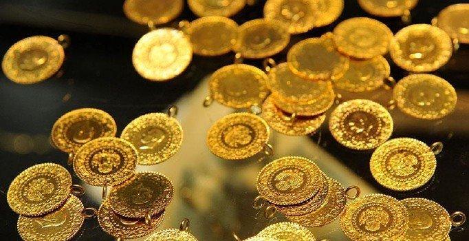Dolar kuru altın fiyatlarını düşürdü