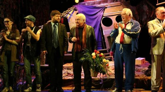 Usta oyun yazarı Tuncer Cücenoğlu'nu kaybettik