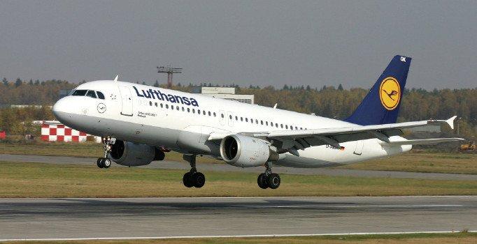 Lufthansa ve British Airways Kahire'ye uçuşları askıya aldı