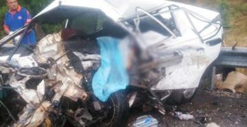 Isparta-Konya karayolunda meydana gelen feci kazada 3 kişi hayatını kaybetti