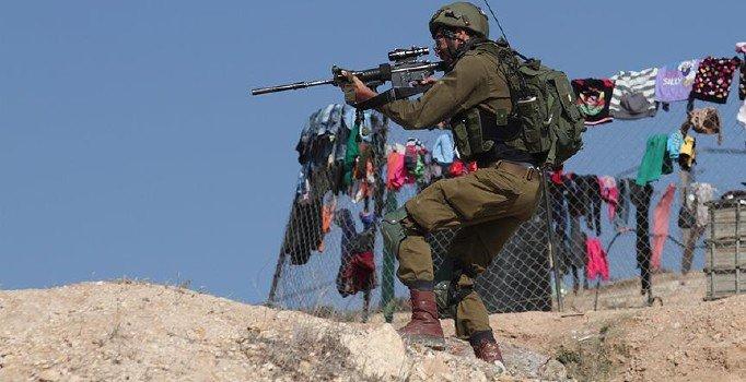 Batı Şeria'da 11 Filistinli daha gözaltına aldı
