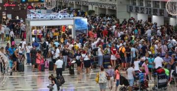 Antalya turizminde tüm zamanların gün rekoru kırıldı