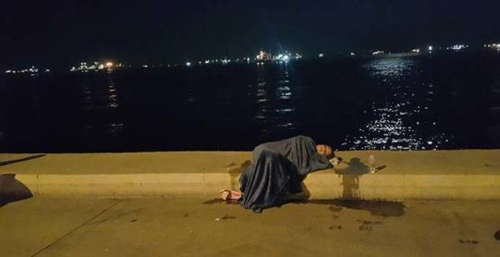 Zeytinburnu'nda taksiden inen kadın koşarak denize atladı